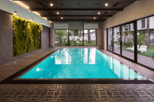 бассейн в доме