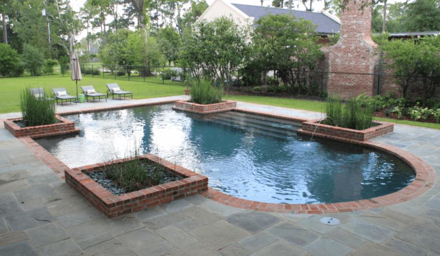 кирпичный бассейн в доме